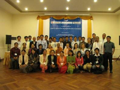 WPSN-C member Anna Snyder conducts workshop in Burma