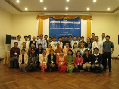 WPSN-C member Anna Snyder conducts workshop in Burma