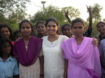 WPSN-C Member Jo-Ann Rodriguez working with youth in India - Photographer Rafaël Tyszblat